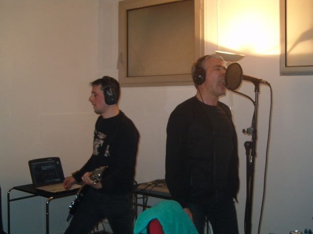 Buzz en session Live dans Coma Electrique sur Aligre FM 93.1